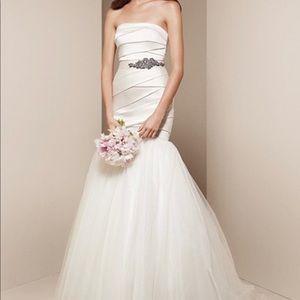 Wedding Dress - Never Worn nor Altered